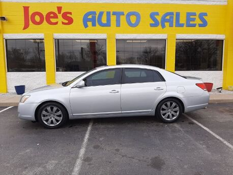 2006_Toyota_Avalon_XL_ Indianapolis IN