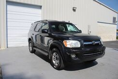 2006_Toyota_Sequoia_Limited 4.7L V8 4WD Auto Leather 3rd Row Sunroof Tow_ Knoxville TN