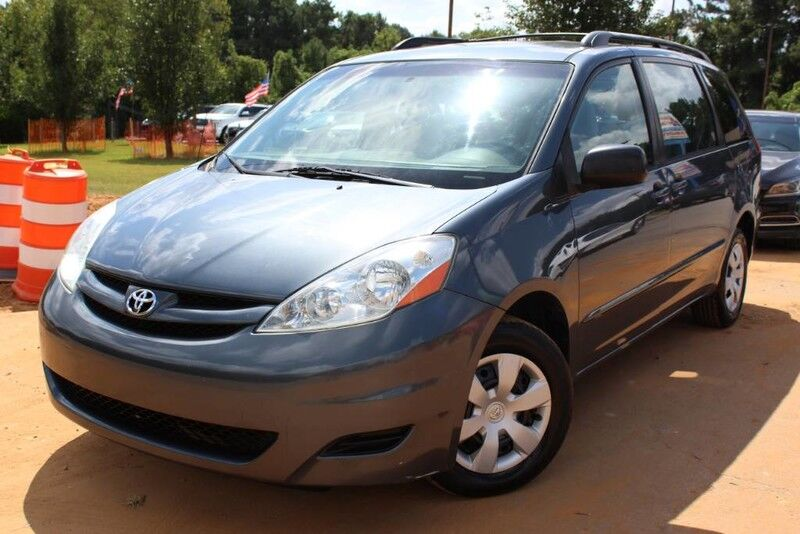 2006 Toyota Sienna CE - w/ 3RD ROW SEATS & ROOF RACK
