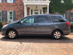 2006_Toyota_Sienna_XLE l,oaded 1-owner entertainment system must see!_ Arlington TX