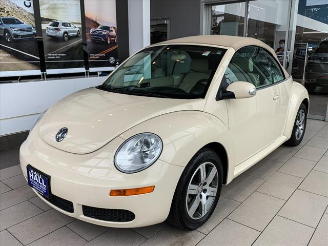 2006 Volkswagen New Beetle Convertible 2.5 Brookfield WI
