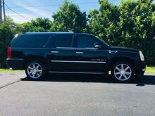 2007_Cadillac_Escalade_ESV_ Richmond IN