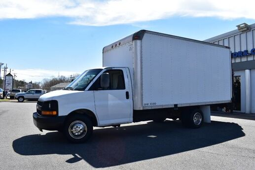2007 Chevrolet Express G3500 Box Truck with Lift Boston MA
