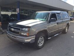 2007_Chevrolet_Silverado 1500 Extended Cab_LT1 4WD_ Cleveland OH