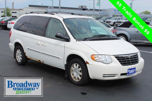 2007 Chrysler Town & Country Touring Green Bay WI