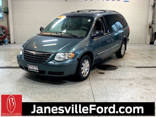 2007 Chrysler Town & Country Touring Janesville WI