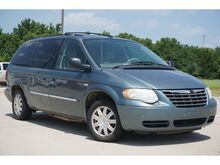 2007_Chrysler_Town & Country_Touring_