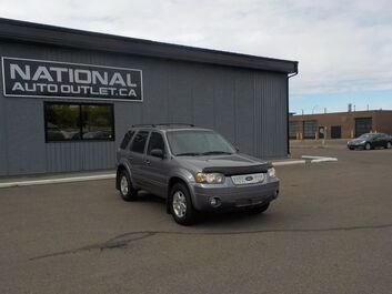 Ford Escape Limited - LOW KLM,S, CLEAN CAR PROOF, LEATHER AND SUN ROOF Lethbridge AB