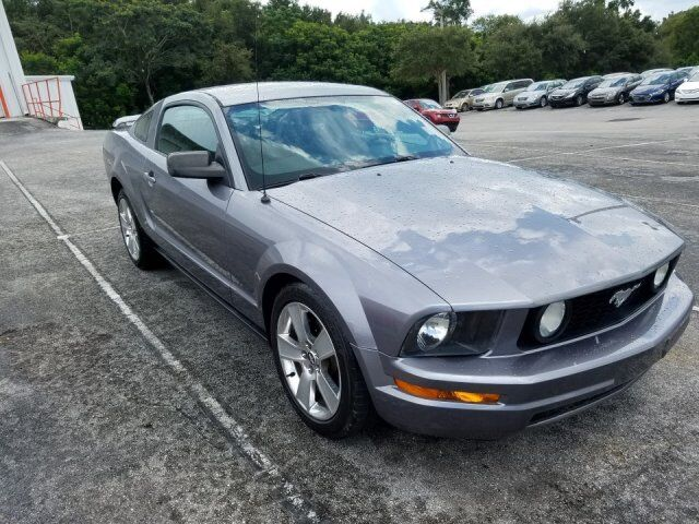 2007 Ford Mustang Deluxe  FL