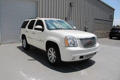2007_GMC_Yukon Denali_V8 AWD Leather DVD Sunroof 3rd Row_ Knoxville TN