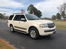 Lincoln Navigator 4d SUV 4WD Ultimate 2007