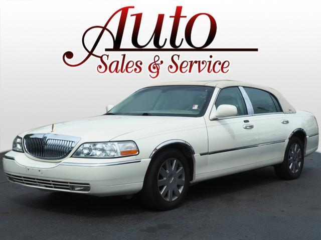 2007 Lincoln Town Car Designer Series Indianapolis IN