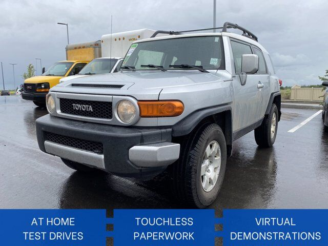 2007 Toyota FJ Cruiser BASE | FRESH TRADE | 1 OWNER |