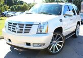 2008 Cadillac Escalade w/ BACK UP CAMERA, LEATHER SEATS, &