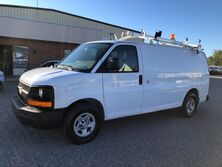 Chevrolet Express 1500 Cargo Van w/ Ladder Rack & Bins  2008