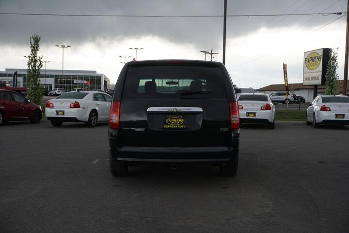 2008 Chrysler Town & Country LX North Logan UT