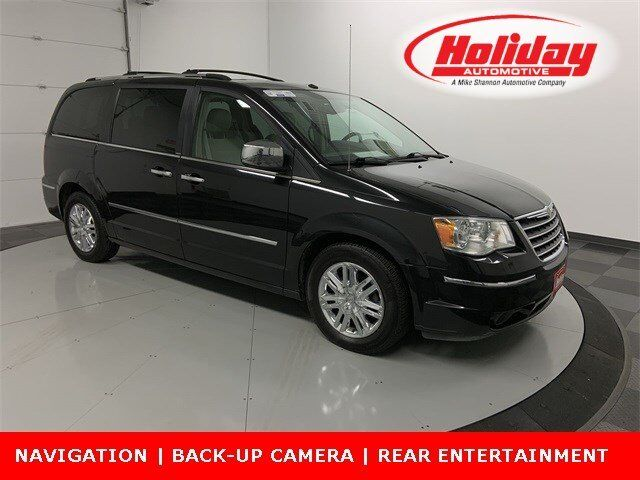 2008 Chrysler Town & Country Limited Fond du Lac WI