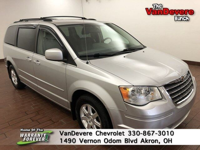 2008 Chrysler Town & Country Touring Akron OH