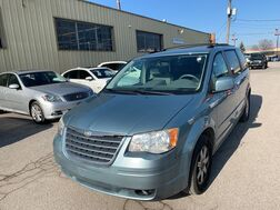2008_Chrysler_Town & Country_Touring_ Cleveland OH