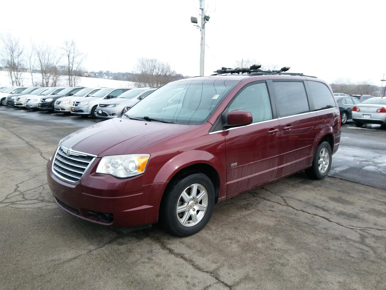 2008 Chrysler Town & Country Touring Dubuque IA