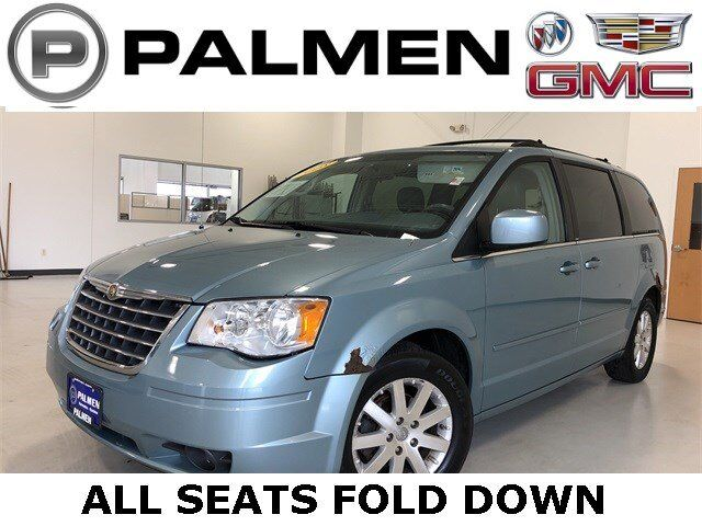 2008 Chrysler Town & Country Touring Racine WI