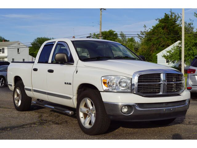 2008 Dodge 1500 2WD Quad Cab 140.5 SLT
