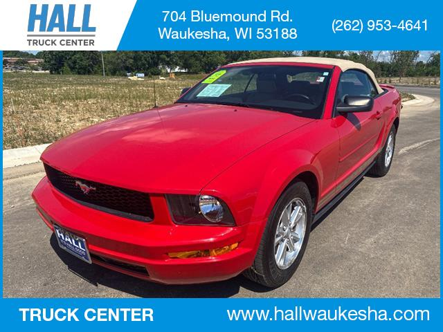 2008 Ford Mustang 2DR CONV DELUXE Waukesha WI