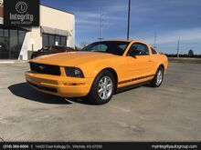 2008_Ford_Mustang_Deluxe_ Wichita KS