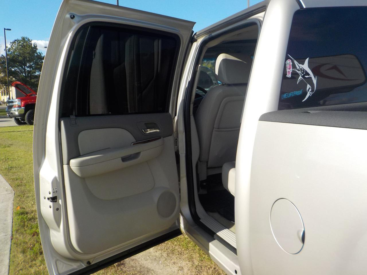 2008 GMC SIERRA 2500 CREW CAB SLE2 4X4, LEATHER, NAVIGATION, HEATED SEATS, BOSE SOUND SYSTEM, TOW PACKAGE! Virginia Beach VA