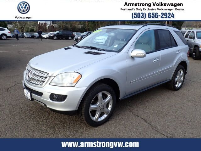 2008_Mercedes-Benz_M-Class_ML 320 4MATIC®_ Gladstone OR