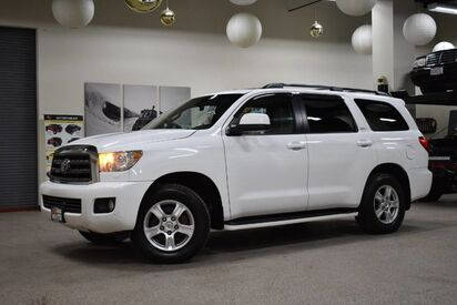 2008_Toyota_Sequoia_SR5_ Boston MA