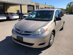 2008_Toyota_Sienna_LE_ Cleveland OH