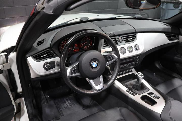2009 BMW Z4 sDrive30i 6-Speed Manual 2dr Convertible Chicago IL
