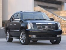 2009_Cadillac_Escalade EXT_Base_ Green Bay WI