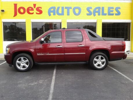 2009_Chevrolet_Avalanche_LTZ 4WD_ Indianapolis IN
