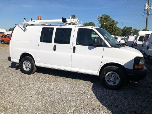 2009 Chevrolet Express 2500 Cargo Van w/ Ladder Rack & Bins  Ashland VA