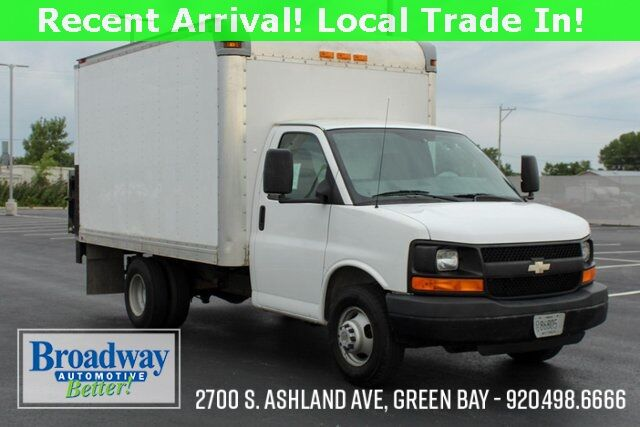 2009 Chevrolet Express 3500 Work Van Cutaway Green Bay WI