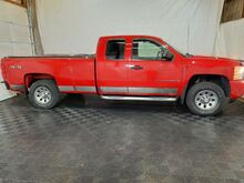 2009_Chevrolet_Silverado 1500_Work Truck Ext. Cab Long Box 4WD_ Middletown OH