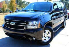 2009_Chevrolet_Suburban_** 4X4 ** - w/ LEATHER SEATS_ Lilburn GA