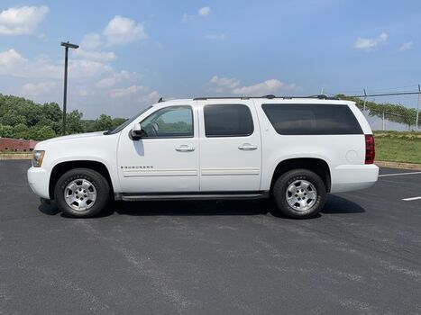 Chevrolet Suburban LT w/1LT 4X4 2009