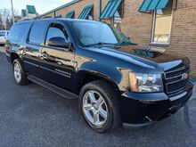2009_Chevrolet_Suburban_LT2 1500 4WD_ Knoxville TN