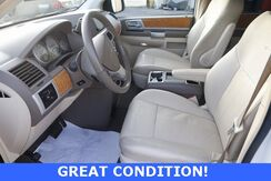 2009_Chrysler_Town & Country_Limited_ Murfreesboro TN
