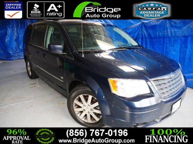 2009 Chrysler Town & Country Touring Berlin NJ