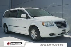 2009_Chrysler_Town & Country_Touring_ Normal IL