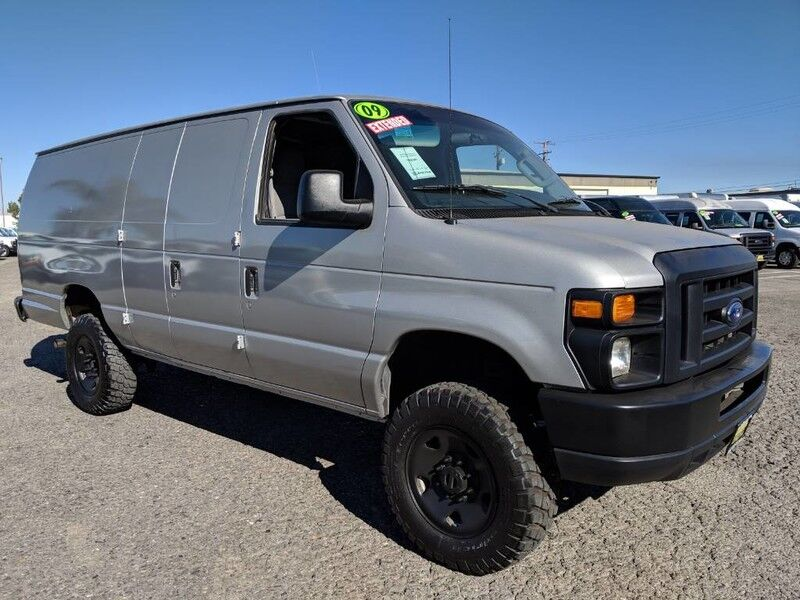 2009 Ford E-350 4x4 Extended Cargo Van