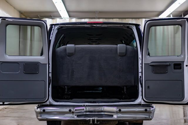 2009 Ford E-350 XLT Extended 15 Passenger Van Red Deer AB