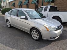 2009_Ford_Focus_SES Sedan_ Knoxville TN