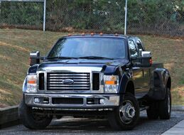 2009 Ford Super Duty F-350 SD SD Lariat Crew Cab Long Bed DRW 4WD