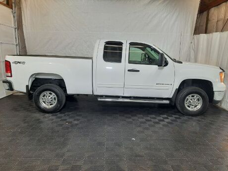 2009 GMC Sierra 2500HD SLE Ext. Cab Short box 4WD Middletown OH