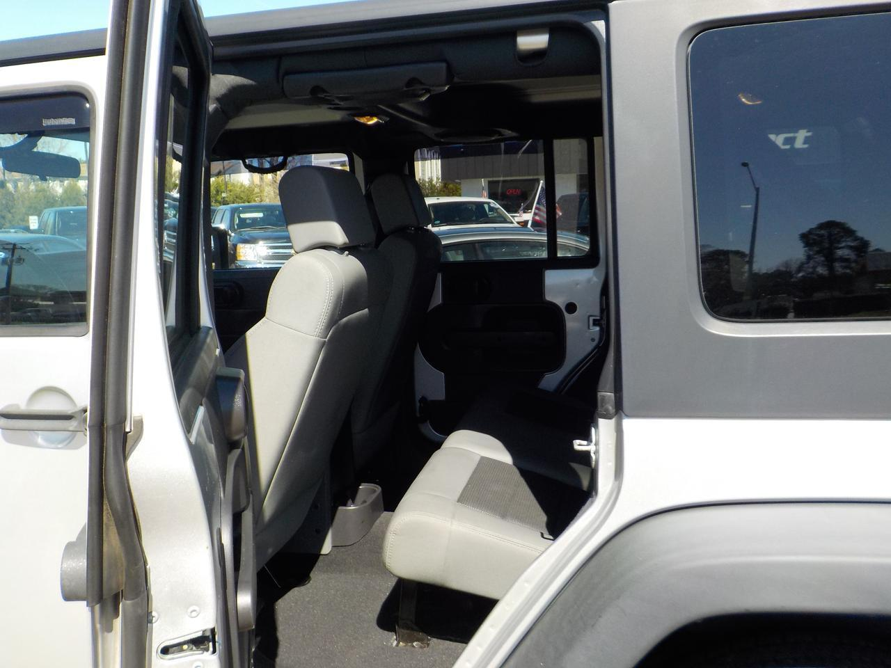 2009 JEEP WRANGLER UNLIMITED X 4X4, WARRANTY, HARD TOP, RUNNING BOARDS, KEYLESS ENTRY, SIRIUS RADIO, AUX PORT! Virginia Beach VA
